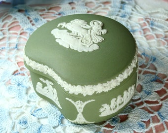 Gorgeous Vintage Porcelain Wedgewood Trinket Box in Sage Green Made in England