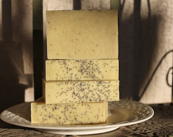 SOLD OUT!Mechanic, Kitchen and Gardener Soap with Cocoa butter, Essential oils, Pumice, Ground walnut shells, Poppy seeds, Kaolin clay