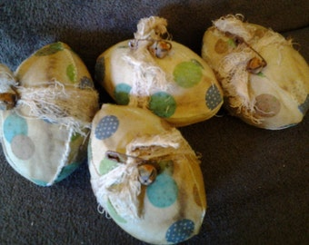 4 grungy coffee stained cloth primitive Easter eggs, decorations, pintucks, pillow tucks