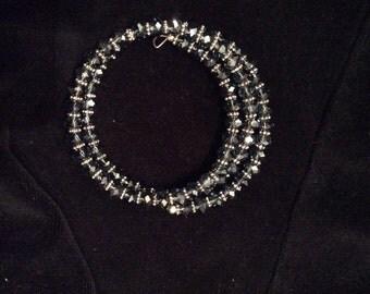 Glimmering bangle