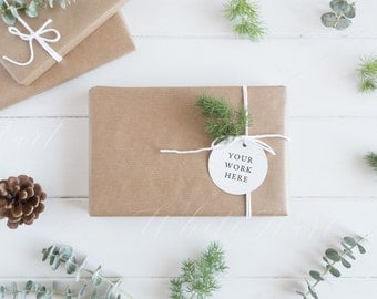 Gift tag mock up - Styled stock photography - Christmas styled - High Res Jpeg file - Perfect for brush lettering, illustration, mockups