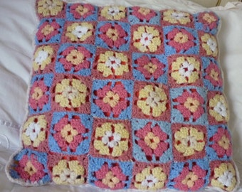 Pretty Vintage Crochet Cushion Cover / Vintage Crochet Cushion Granny Cushion Decorative  Sofa Bed Bedroom