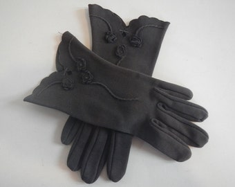 Vintage Ladies Gloves - dark brown, scalloped edge - 1950s-1960s - dressy, mid-century, high fashion, wrist length, formal, prom, homecoming