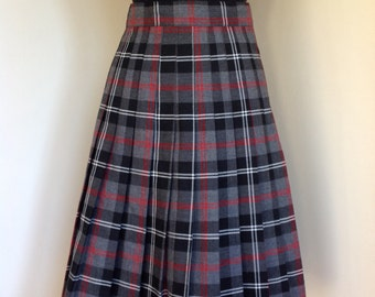Vintage box pleated grey black and red plaid skirt size  M