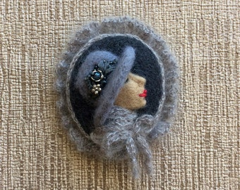 Valentine's gift/Felting Brooch/OOAK brooch/Needle felting/Gifts for her/Original brooch/Mother's Day Gift/Gift for mum/Romantic/Cameo Felt