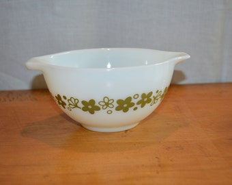Pyrex SPRING BLOSSOM Cinderella Nesting BOWL. While Glass with Green Daisy Pattern. Smaller Size # 441 or 1 1/2 Pint. Two (2)  Available.