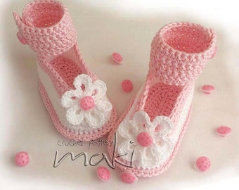 Pink ladybug baby booties! Crochet baby booties! Baby girl shoes! Crochet baby shoes! Baby booties!