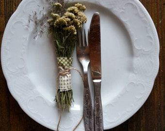rustic dried botanicals table decor dried flowers small yarrow bunch farmhouse country style party wedding table decor primitive home decor