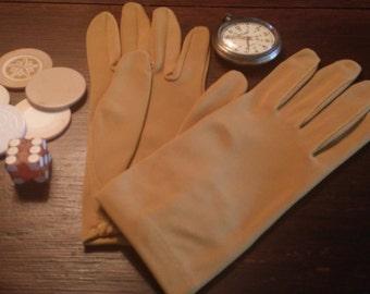 Vintage Tan Driving Gloves