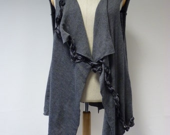 Boho exceptional irregular grey woollen vest, XXL size. Only one sample.