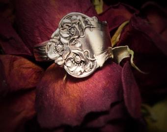 Spoon ring.Ornate flower Spoon Ring. Antique silverplate spoon loved again.