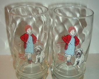Pair 1982 Libbey Orphan Annie Collector Glasses / Tumblers