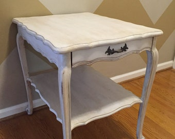 Antique/weathered white end table with drawer