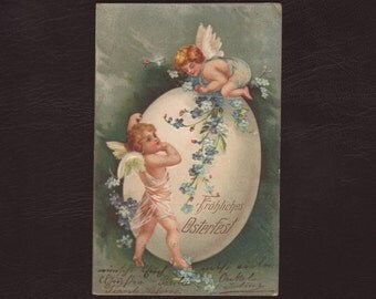 Angels and an Easter egg, German religious postcard - Edwardian chromolithograph, cherub print, antique greeting card - 1905 (V3-49)