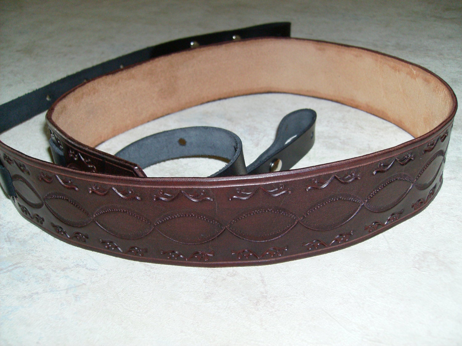 custom leather banjo strap hand tooled and dyed mahogany. Black Bedroom Furniture Sets. Home Design Ideas