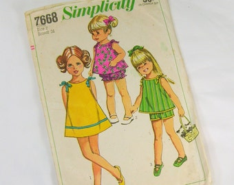 Vintage Sewing Pattern -  1968 Simplicity 7668 Toddler Girls Size 2 Chest 21 Dress Top Shorts Bloomers Play Suit