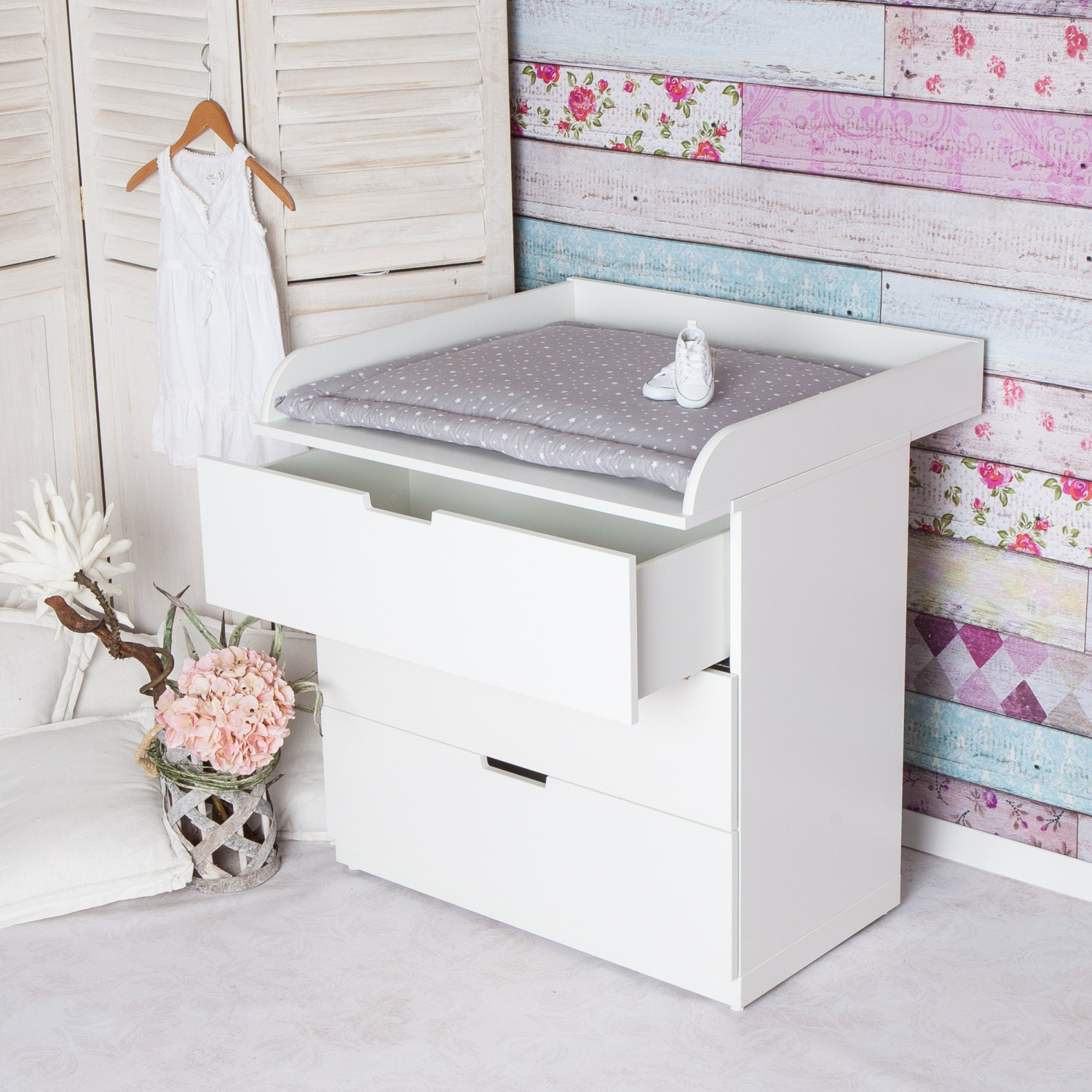 XS ExtraRound Changing table top for IKEA Nordli dresser with