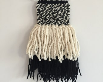 Black and White Twist Weaving