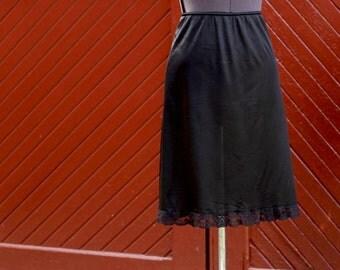 Vintage 1980's Size Large Black Knee Length Half Slip 100% Nylon and Lace