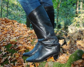 Vintage leather boots black boots cowboy boots black leather small heel rock bobo Parisian years 80 80