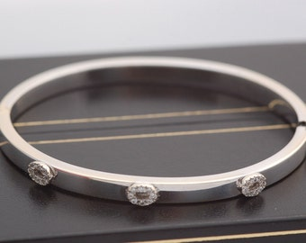 Amazing 18 Carat White Gold White Stones Bracelet Bangle 10.7 Grams.