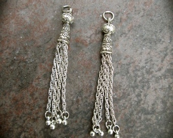 Silver Tassel Pendants Set of 2 Antique Silver metal chain silver finish tassel charms 67 mm