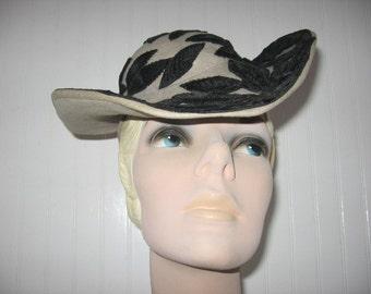 SALE! 1940's Dove Gray Felt Gaucho Hat with Black Velveteen Leaves