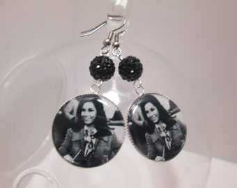Mary Tyler Moore  Earrings with Rhinestones/ Item G610
