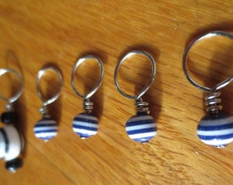 Stitch markers for knitting - Navy stripes