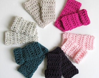 Baby Legwarmers-Crochet baby legs in  Newborn to 3 months, 3-6 & 6-12. You choose colors.  Newborn photo prop, FREE SHIPPING