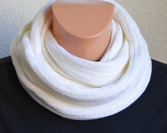 Handmade men's snood scarf