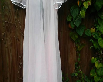Beautiful Pale Pink Negligee  Robe/1950s/Hollywood Glam