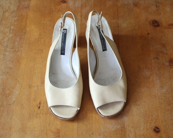 Tan leather sling-back peep-toe heels *made in Italy*