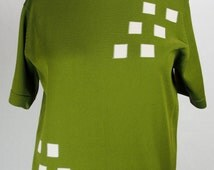Vintage 1960s Men's or Unisex Nylon Short Sleeve Mock Turtleneck Top-Great Color and Graphics!