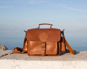 NEW Leather DSLR Camera Bag, Tobacco color DSLR Handmade Leather shoulder bag, plus black padded insert