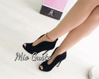 TULIP, black suede pumps / High Heels / High Heeled Shoes