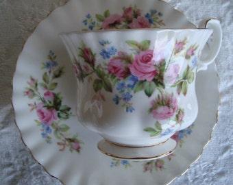 Royal Albert - Mose Rose - Bone China England - Vintage Tea Cup and Saucer