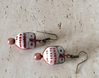 Adorable ceramic Owl dangle earrings.