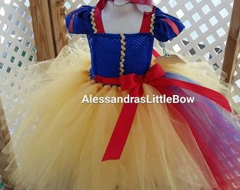 Snow White tutu dress Snow White costume dress Snow white tutu disney princess costume Snow White birthday outfit, disney trip outfit