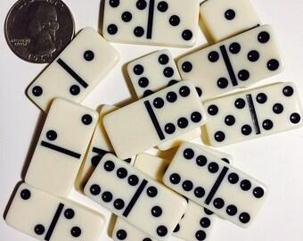 Vintage Supplies - 14 Mini Dominoes