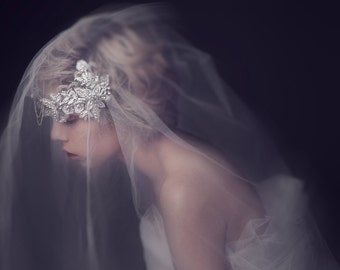 The Eloise: Vintage style 1920's Stunning Flower Floral Crystal Rhinestone Wedding Bridal Veil Juliet Cap Jewel Jewelry