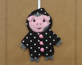 Felt pig hanger