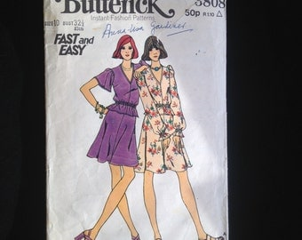 Butterick 3808 Fast and Easy, Size 10.  1970s Top and Skirt.  Vintage Sewing Pattern, British Edition