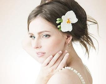 Bridal hair flower - white orchid, Bridal flower hair clip, Wedding hair flowers. Bridal hair clip. Hair clay flower. Bridal hair accessory