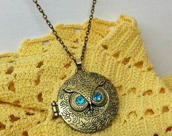 Medallion bronze OWL pendant with chain