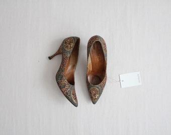 tapestry heels / floral heels / floral pumps