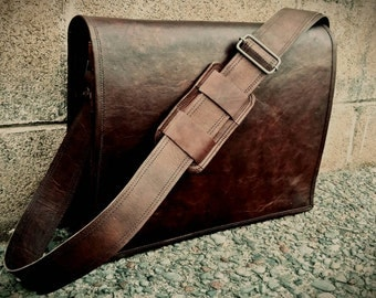 """15"""" Leather Messenger Bag. Brown Leather Messenger Bag. Mens Messenger Bag, Unisex Messenger Bag. Leather Shoulder Carry Bag. Man Bag. Style"""