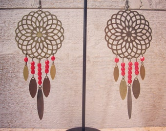 Earrings brass and red faceted beads