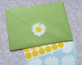 25 Daisy Stickers, vinyl flower decals, daisy party invitation, wedding invitation, daisy favor bag seal, decor, floral removable wallpaper