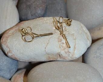 Scissors STUD EARRINGS // Gold Post Earings - One Pair Cartilage Earring Stud - Tiny Stud Earrings - Helix Earring - Conch Earring